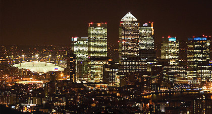 The Ciry of London at night - Docklands & Dome