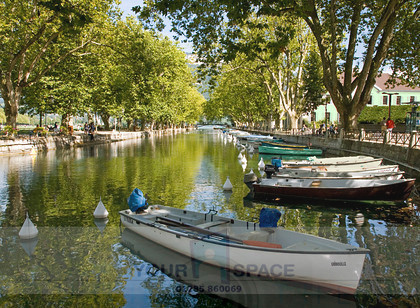 Annecy lakeside v3 
